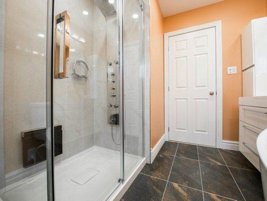 peach bathroom